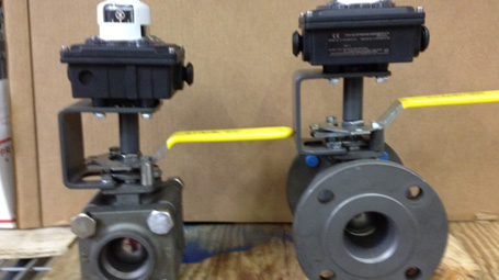Apollo Ball Valves with Limit Switches for Fuel Oil Service